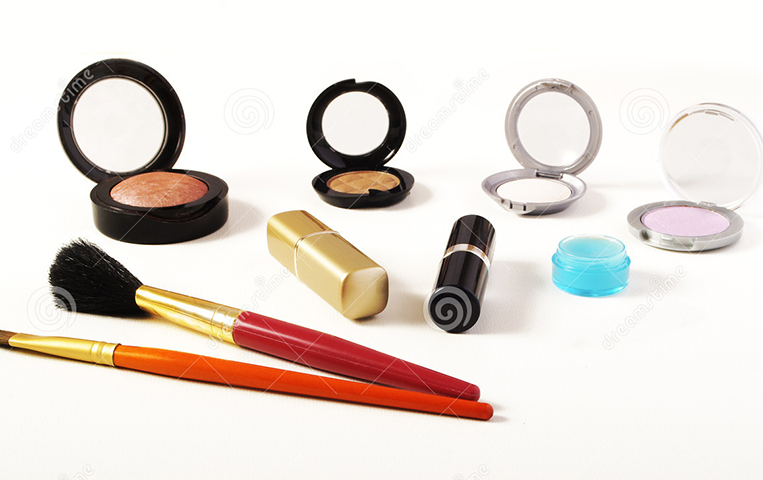 http://www.dreamstime.com/stock-photo-make-up-items-image18378810